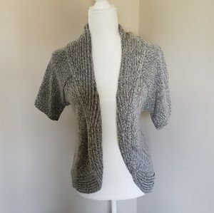 Short-sleeved Gray and White Knit Cardigan
